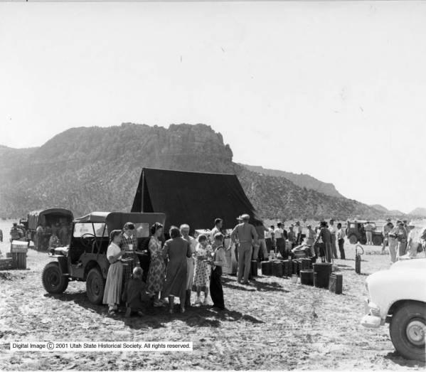 08-01 Tent at shortcreek